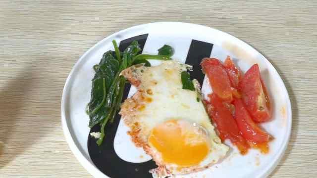 鸡蛋番茄菠菜烧,流口水了!