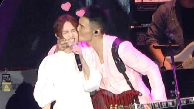 李荣浩演唱会亲吻杨丞琳:我喜欢她