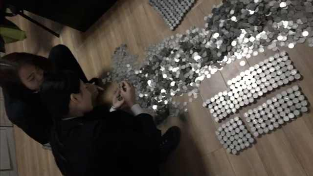 他拉3万硬币4S店买车,20人数5小时
