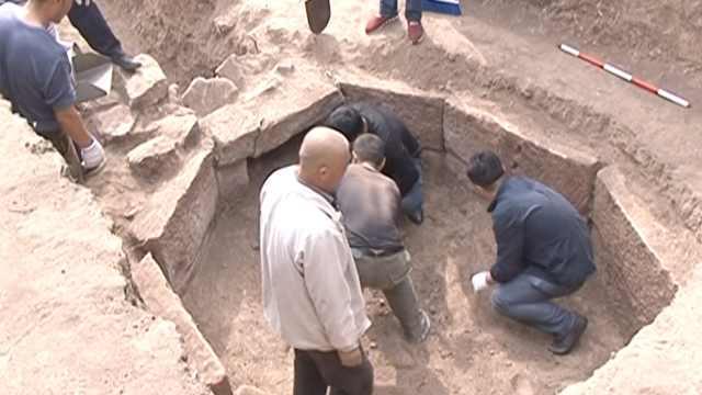 辽代古墓发掘出兵器,墓主疑是武将