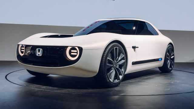 从一款小掀背衍生,本田概念小跑车
