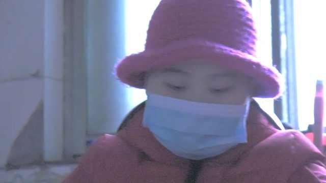 12岁女孩患白血病,父亲卖房救女