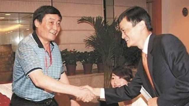 杭州走出两位首富,画风竟如此不同