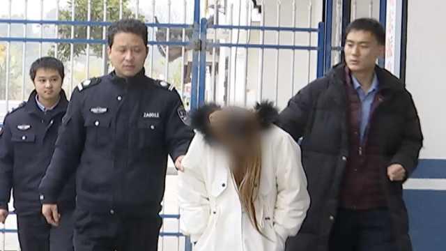 16岁女孩被强制戒毒,垂头沉默不语