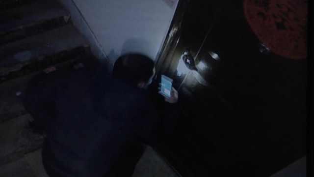 窃贼拍下锁眼孔,隔天入室盗2万财物