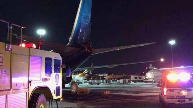 纽约机场失误,南航飞机碰撞受损