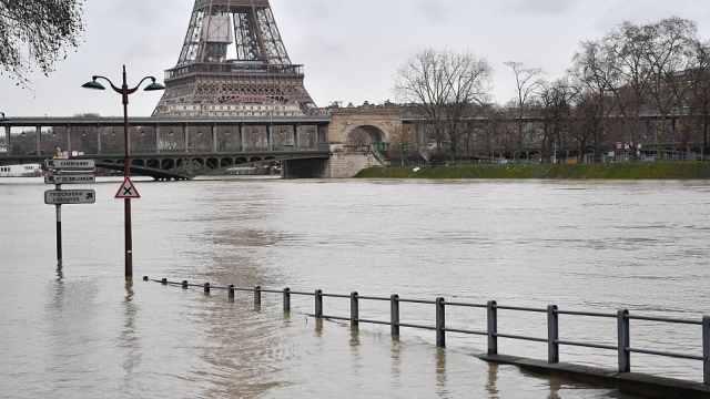 巴黎洪水橙色预警,连地铁都停运了