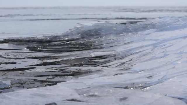 贝加尔湖结冰瞬间全记录,美到窒息