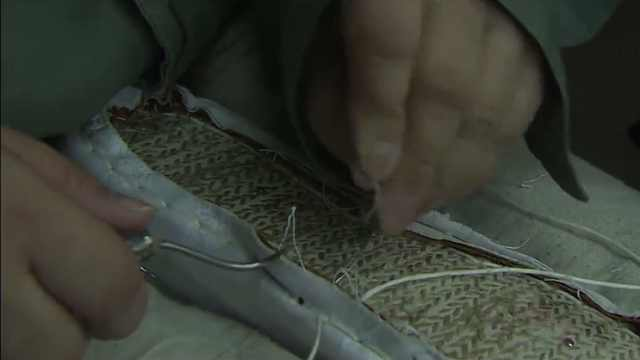 一双老北京布鞋竟要手工缝制一个月