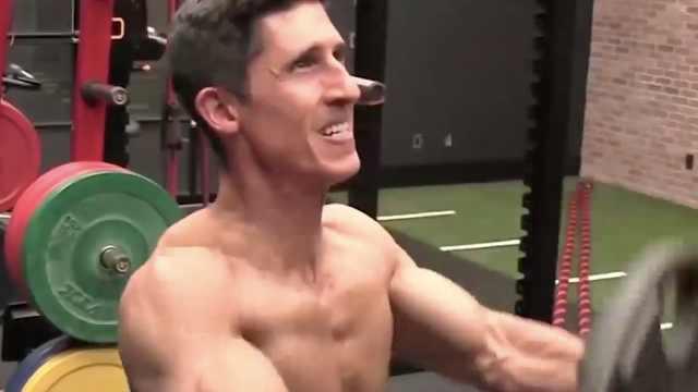 如何同时训练肩膀和胸肌?