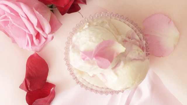 自制甜品:玫瑰花冰淇淋