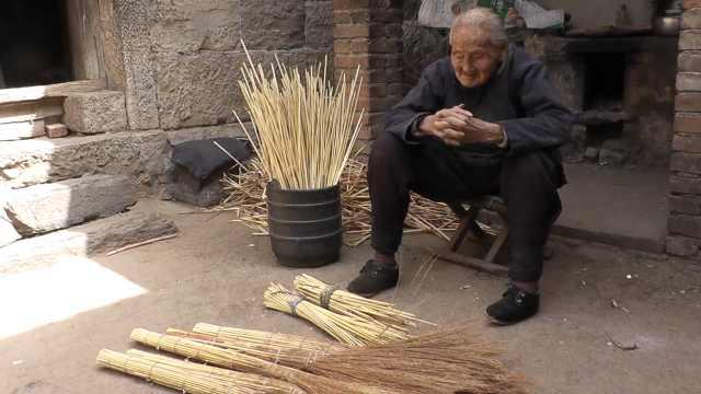 百岁老太手工好,家里40年不买锅盖