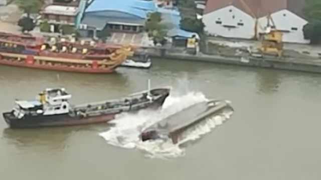险!广州两船相撞,一船瞬间翻扣水面