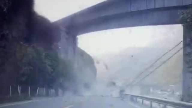 重庆一国道天降飞石砸2车,乘客惊呼