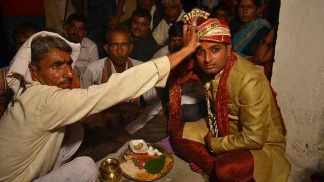 被绑架的印度新郎:被迫迎娶陌生女