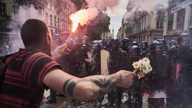 法国人为什么这么爱罢工?