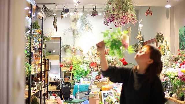 美女研究生爱花艺,创业研究干燥花