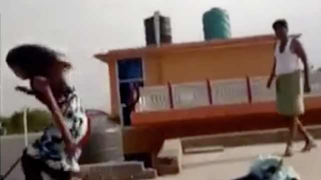父亲家暴,印度12岁女孩从楼顶跳下