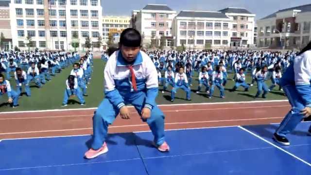 魔性!小学课间操跳街舞,她征服全场