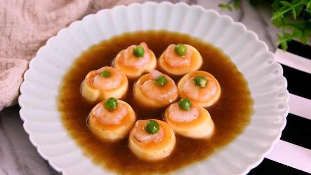 虾仁豆腐质地嫩滑,好吃看得见