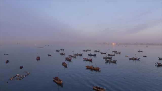 来青岛吧!看最美的海和勤劳的渔民