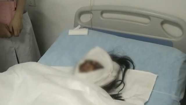 孕妇做饭时被烧伤,为胎儿拒用麻醉