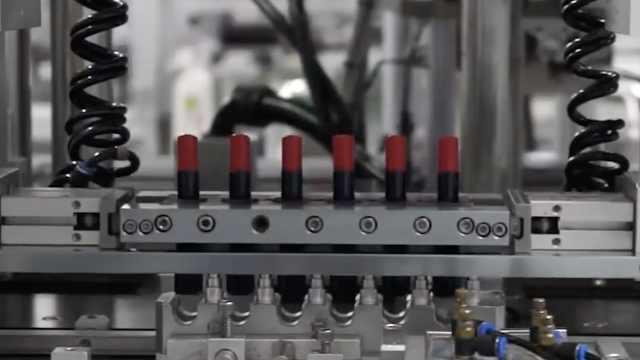 工厂直拍:口红是怎么生产出来的?