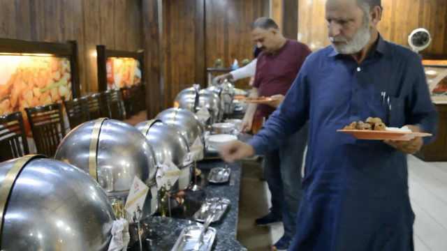 巴基斯坦人狂点赞:中餐不辣很健康