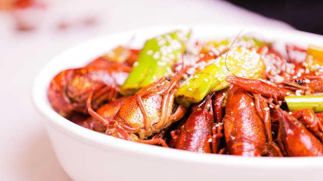 深夜推荐,好吃到爆的麻辣小龙虾
