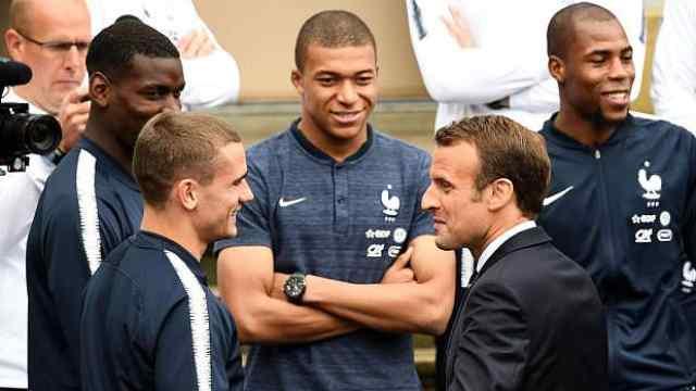 总统承诺:法国进半决,亲自去加油