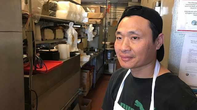 中餐馆被黑:挖土种花传成杀狗煮食