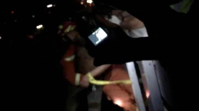 醉酒男子第二次跳江,消防合力救回