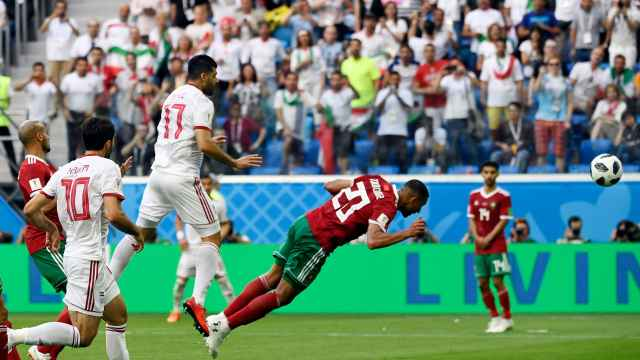 首个乌龙球!伊朗补时绝杀摩洛哥