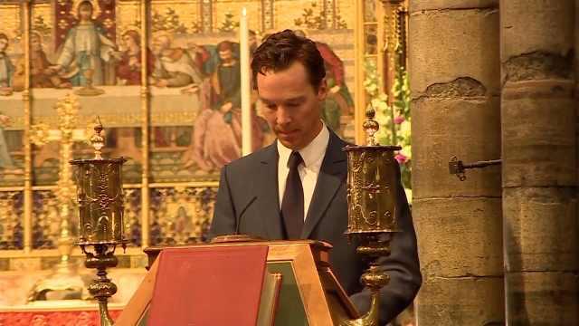霍金落葬西敏寺,卷福诵读圣经旧约