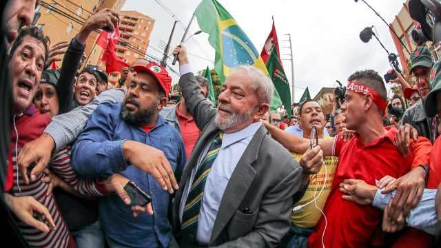 巴西前总统狱中评球:C罗证明了自己