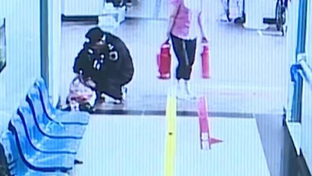 保安医院里捡2万归还失主:全是零钱