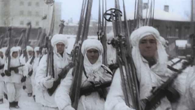 苏联红军教你,边溜冰边保卫祖国