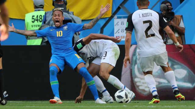 历史首次!VAR取消巴西队点球