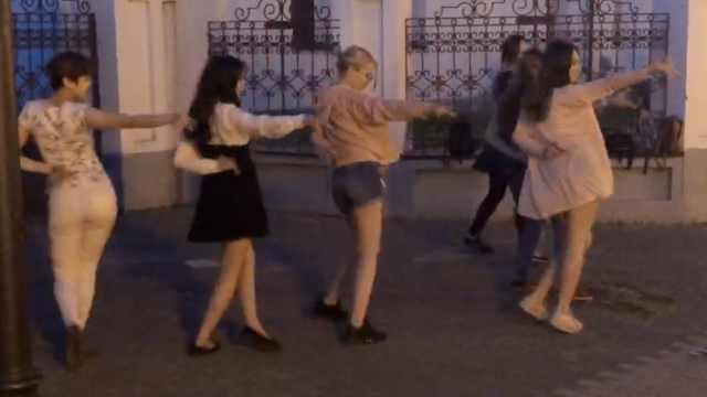 韩国送德国出局,俄迷妹跳起韩国舞