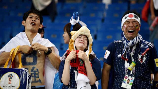 最美球迷!输球后日本球迷赞歌依旧