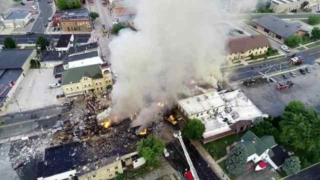 美国燃气爆炸引发大火,数十人伤亡