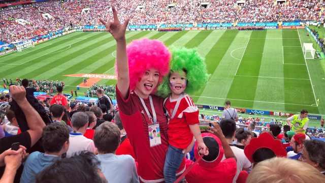 网红辣妈现身世界杯!带4岁娃游20国