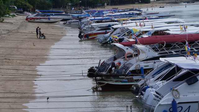 普吉游船再出海,中国客未系安全带