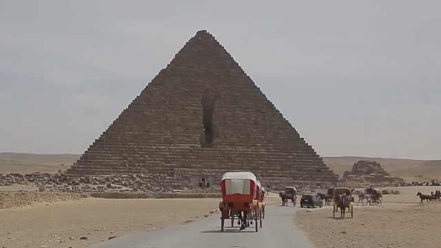埃及一男子爬金字塔轻生,或获重刑