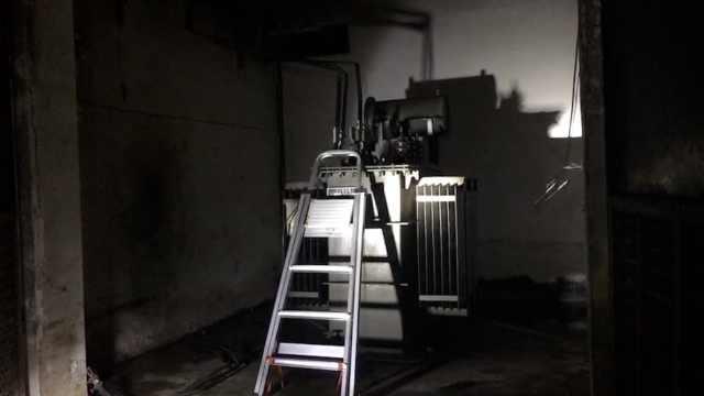 夏天噩耗!电压器起火,20栋楼全停电