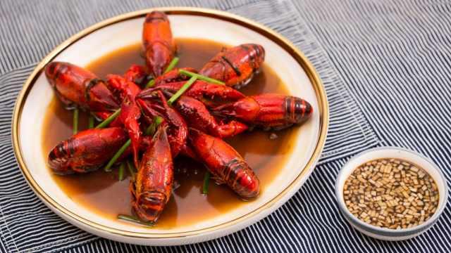 山珍海味,都比不上麻辣小龙虾入胃