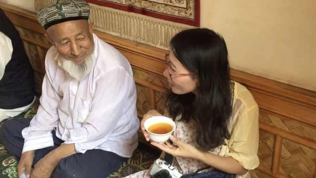 百年茶馆20元喝1天,游客品出辣椒味