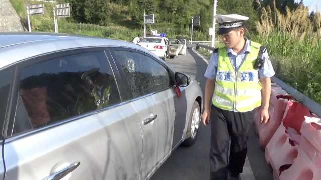 妻刚拿证想开车过瘾,他不干怒砸车