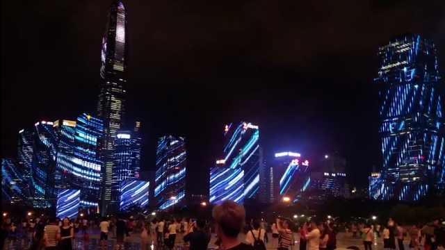 灯光秀太美,大学生看了想留在深圳