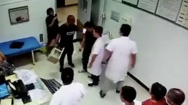 男子就医与医护肢体冲突,警方介入
